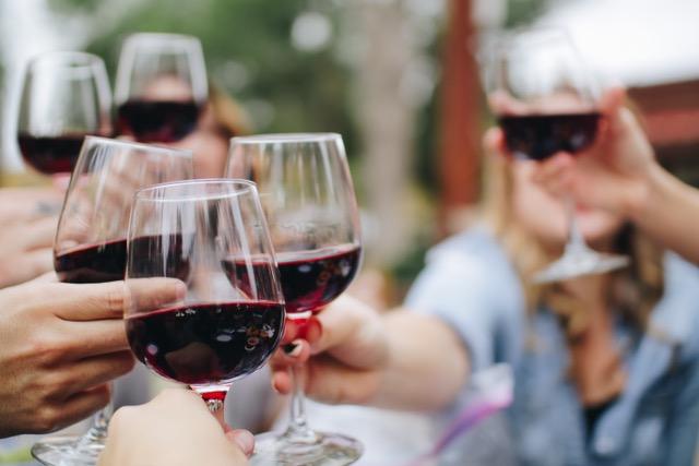 Proost, wijnproeverij, viqh aan huis, viqh, wijnbar, wijnproeverij, wijnspijs, proeverij bekende druiven, rode wijn, barolo, piemonte, merlot, nebiolo, nebbiolo, shiraz, syrah, chardonnay, haarlem, amsterdam, heemstede