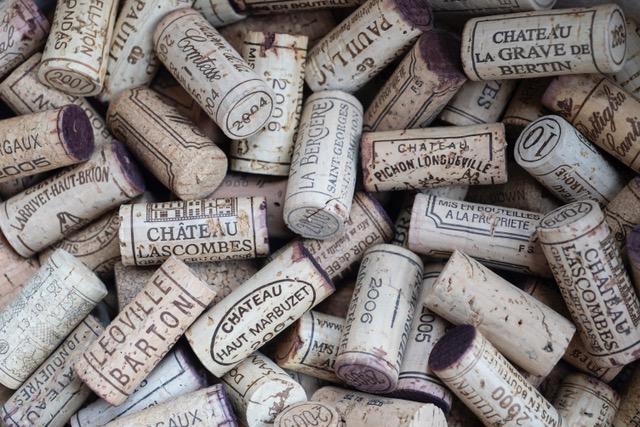 kurken, wijn met kurk, wijnproeverij wijnkurk, haarlem, Amsterdam, wijnproeverij op locatie, wijnproeverij aan huis, wijnproeverij op het werk, wijn op kantoor