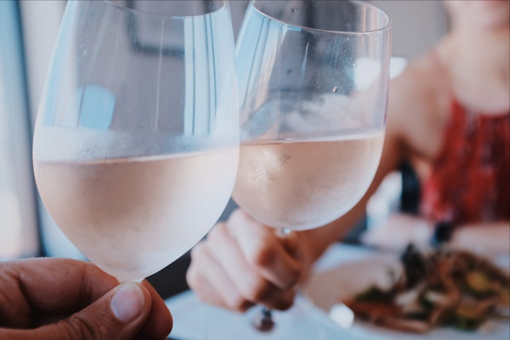 Een rosé kennen we uit vele wijnlanden. Maar heeft u wel eens een Nederlandse zomer wijnen, Nederlandse wijn, Zomerwijn, Rosé, Pinot Noir, Wijnproeverij, wijnproeverij op locatie.