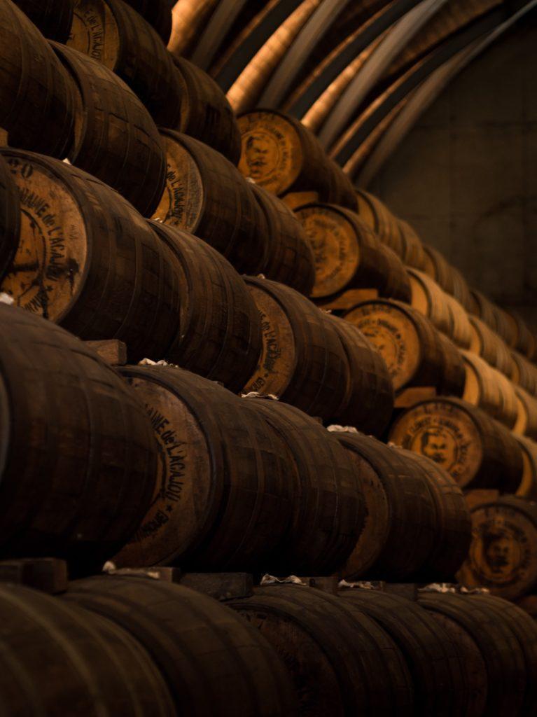 In deze Zuid-Afrikaanse wijnbox van VIQH aan Huis zitten verschillende wijnen die houtrijping gehad hebben.
