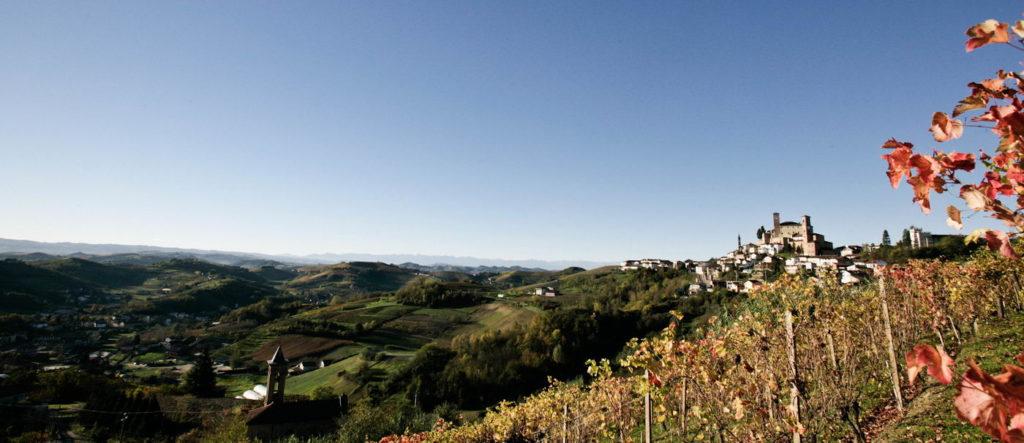 In onze vierde editie van VIQH's Online Wijnproeverij nemen wij jullie mee langs verschillende Italiaanse wijnen. Waaronder de prachtige wijngaarden in Piemonte